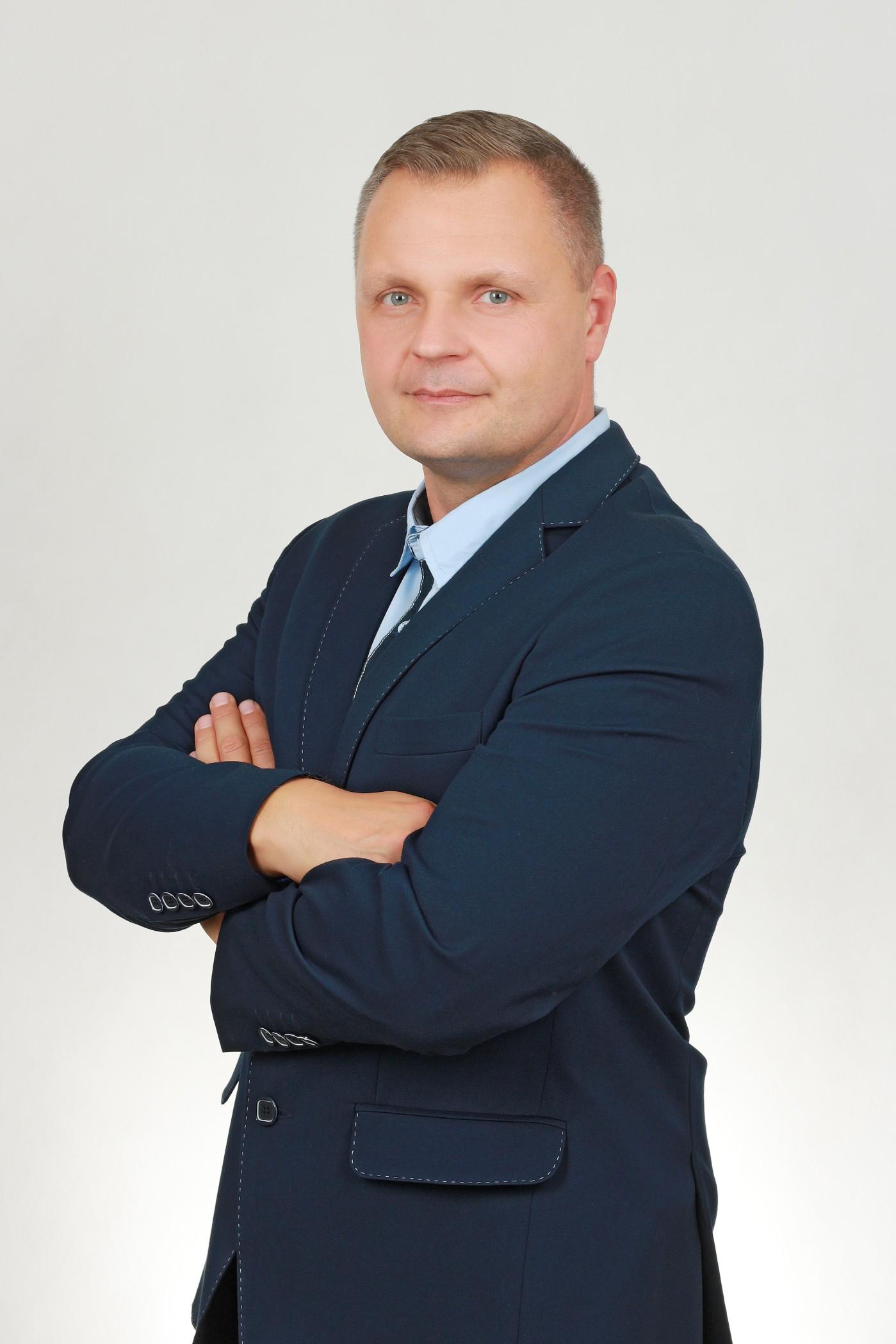 Artur Mokracki - ASTONS Nieruchomości
